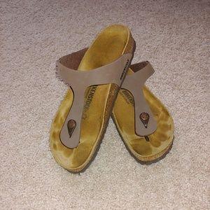 Birkenstock Gizeh Brown Sandals
